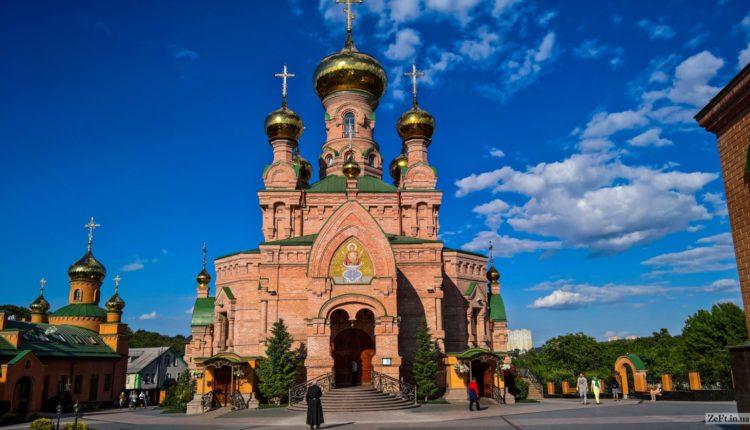 Голосіївський монастир екскурсія з Полтави до Києва